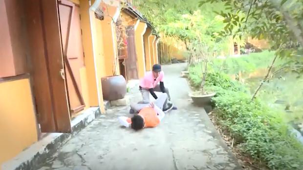 Running Man Vietnam tung clip nhá hàng: Dàn sao Việt vật lộn, xé bảng nhau cực căng! - Ảnh 9.