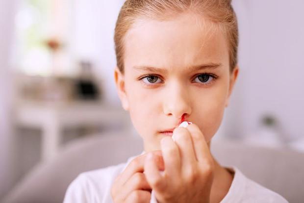 Cô bé 16 tuổi mắc bệnh ung thư vòm họng chỉ vì sống trong môi trường quá độc hại - Ảnh 2.