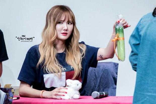 Fanmeeting của idol Kpop: Không biết là giao lưu hay đại hội vỗ béo trá hình - Ảnh 9.