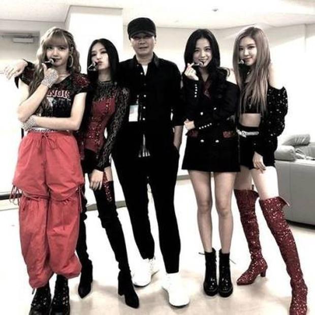 BLACKPINK nhận tin vui vượt kỉ lục BTS trước thềm comeback, nhưng sao fan vẫn cứ mãi lo cho số phận của nhóm - Ảnh 4.