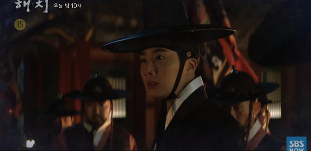 Tréo ngoe phận nam chính phim Hàn: Người được khoe thân quyến rũ, kẻ bị đánh má nhận không ra - Ảnh 7.