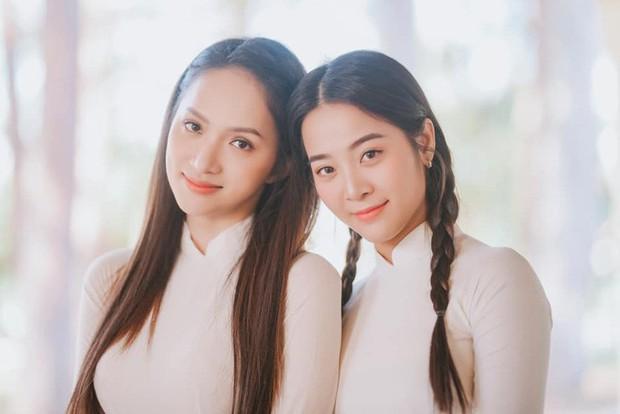 Không ngờ cô bạn thân giật người yêu cũng sở hữu sắc vóc và phong cách sexy, đến Hương Giang cũng phải dè chừng - Ảnh 1.