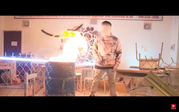 Nhóm nhạc của Richchoi khẳng định không đốt sách của học sinh; con trai bảo vệ dẫn vào trường quay MV - Ảnh 1.