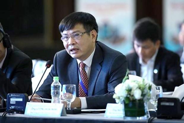 TS Lương Hoài Nam: Xe máy đã tiêu diệt giao thông công cộng - Ảnh 1.