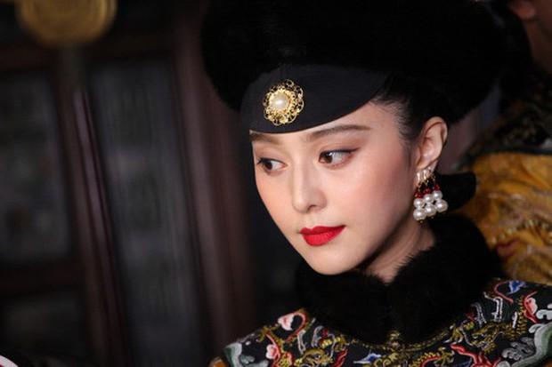 Triệu Vy, Tô Hữu Bằng song kiếm hợp bích làm lại Hoàn Châu Cách Cách, Lâm Tâm Như trở thành mẹ Hạ Tử Vy - Ảnh 10.
