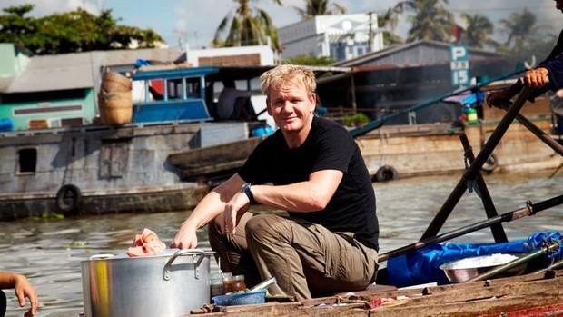 Điều gì khiến đầu bếp nổi tiếng Gordon Ramsay nói rằng: Chất lượng thức ăn Việt Nam quá cao so với giá thành! - Ảnh 1.