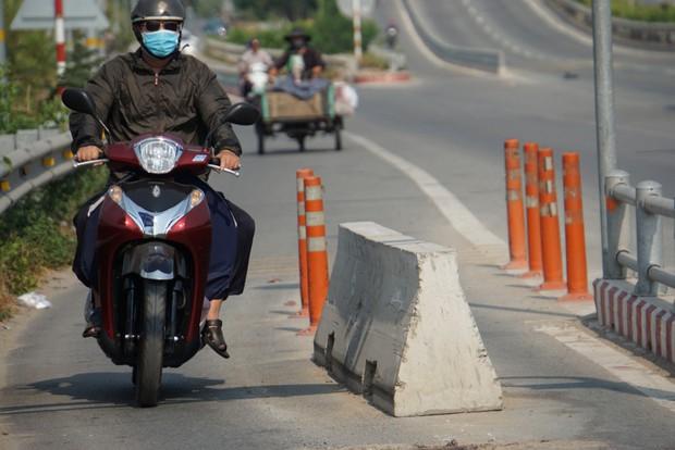 """TP. HCM: Đơn vị lắp cục bê tông chặn ô tô vào làn xe máy gây chết người trên cao tốc """"khẳng định không sai"""" - Ảnh 2."""