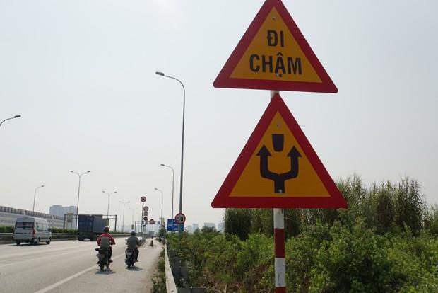 """TP. HCM: Cục bê tông chặn ô tô vào làn xe máy đã bị """"bứng"""" sau khi khiến 2 người thương vong - Ảnh 3."""