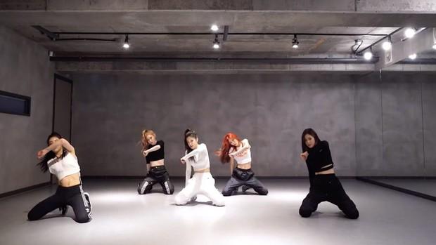 JYP đã dùng phương pháp nào để tạo nên những bước vũ đạo đều tăm tắp của TWICE và ITZY? - Ảnh 2.