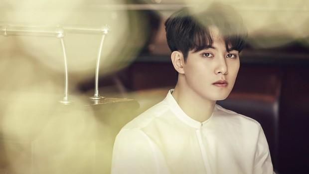 SBS khui tin nhắn bệnh hoạn đến gai người của Jonghyun (CNBLUE): Sex tập thể, đổi tình nhân cho nhau - Ảnh 1.