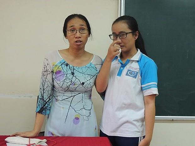 Vụ cô giáo không giảng bài tiếp tục bị đình chỉ vì ném vở học sinh: Nếu là giáo viên khác thì chỉ nhắc nhở, còn cô Châu phải đình chỉ vì tái phạm - Ảnh 2.