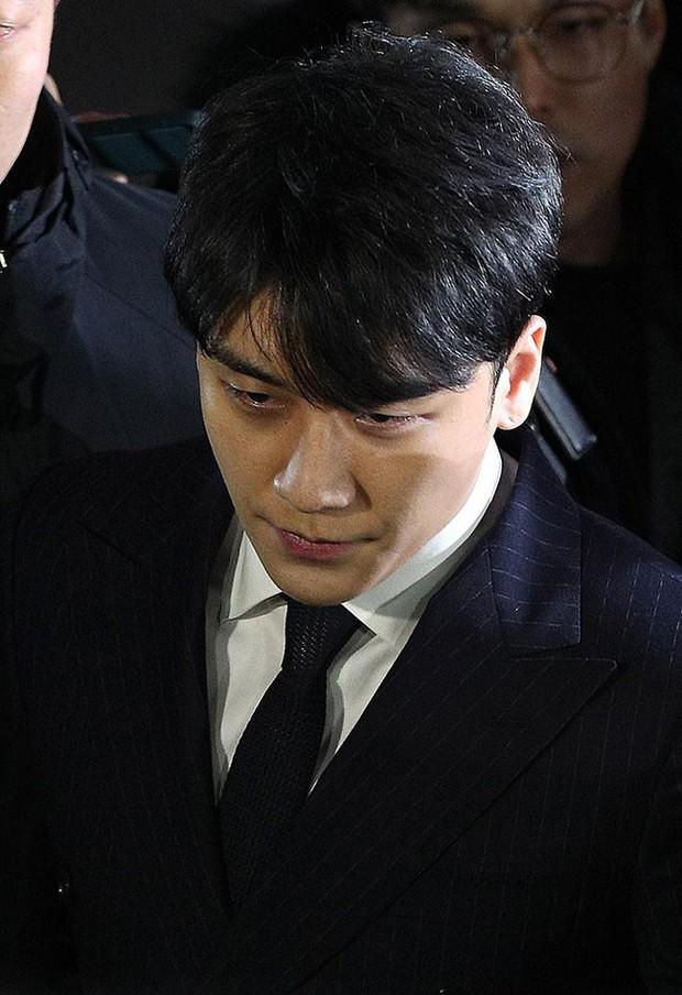 Seungri chính thức nộp đơn hoãn nhập ngũ để tham gia điều tra trước loạt cáo buộc mại dâm chấn động Kbiz - Ảnh 2.