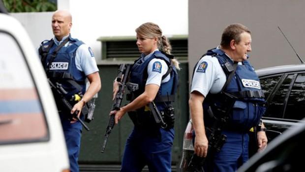 Xả súng kinh hoàng ở New Zealand: Cảnh sát bắt 4 nghi phạm - Ảnh 1.