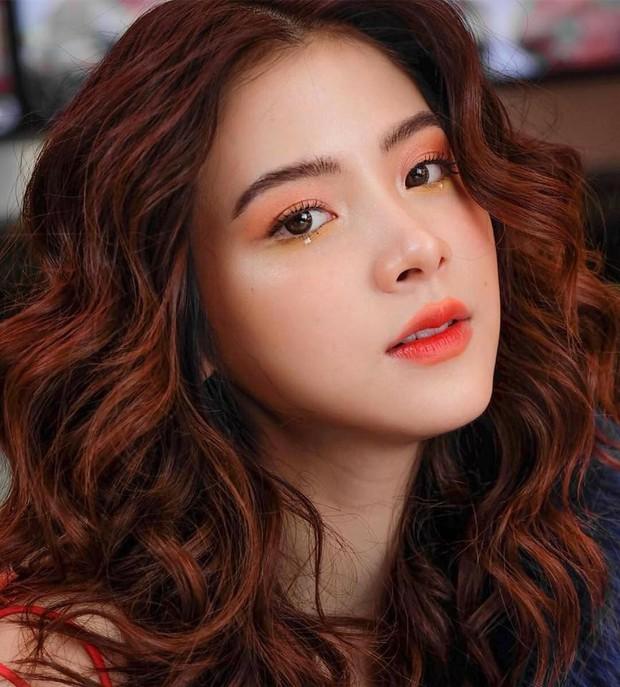 Nữ chính siêu cấp đáng yêu trong Friend Zone: Nàng thơ thanh xuân của đất Thái sở hữu tài khoản 4 triệu follower - Ảnh 6.