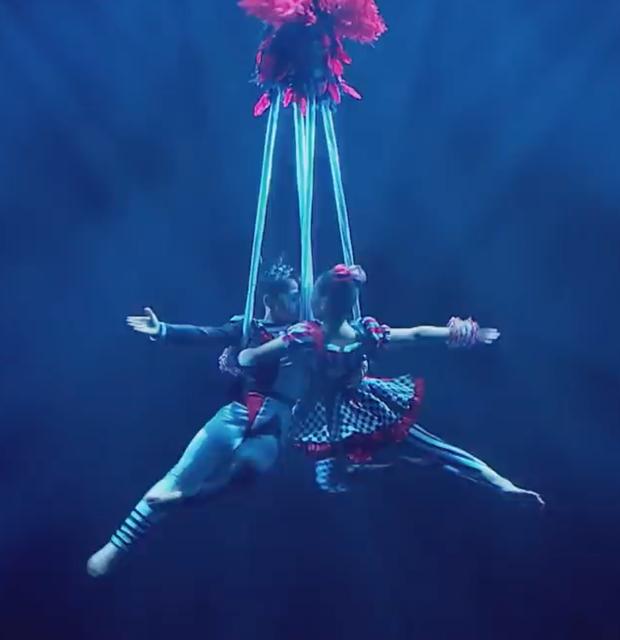 Asias Got Talent: Cặp đôi nhí Việt Nam khiến giám khảo thót tim với màn thả người trên không - Ảnh 6.