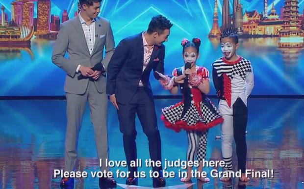 Asias Got Talent: Cặp đôi nhí Việt Nam khiến giám khảo thót tim với màn thả người trên không - Ảnh 7.