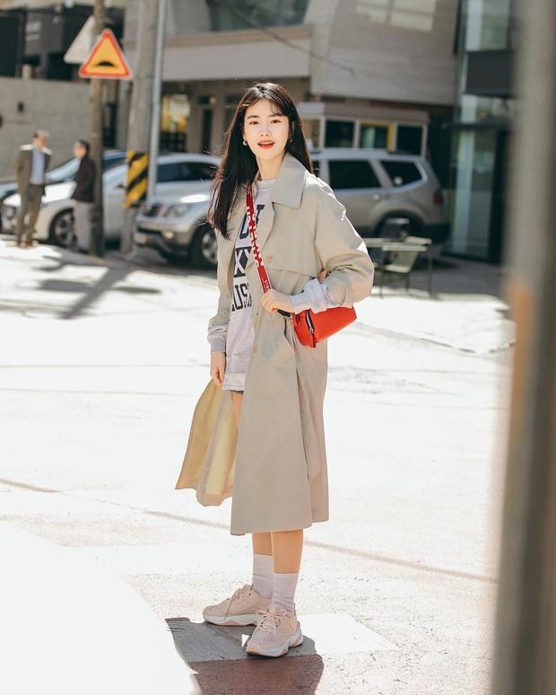 Chỉ cần ngắm street style chất lừ của giới trẻ Hàn tuần qua, công cuộc ăn mặc của bạn chắc chắn sẽ lên hương - Ảnh 2.
