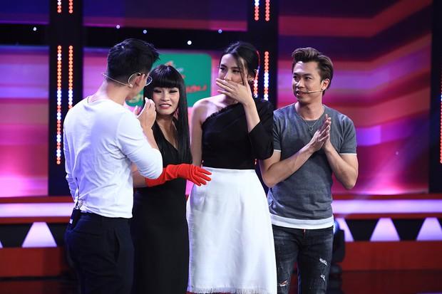 Huỳnh Lập quỳ lết, lăn lộn vì thần tượng Phương Thanh bất ngờ xuất hiện - Ảnh 3.