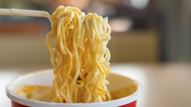 Cậu sinh viên qua đời vì bệnh ung thư dạ dày chỉ vì ăn món này thường xuyên mỗi đêm - Ảnh 1.