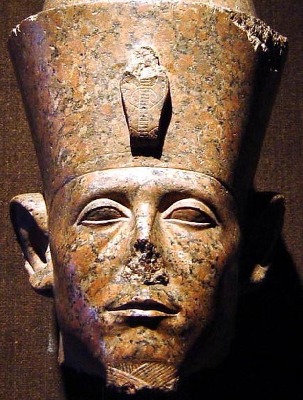 Chuyện lạ: Nhiều tượng Ai Cập cổ đại bị mất mũi, nhưng lý do đằng sau mới thực sự gây bất ngờ - Ảnh 2.