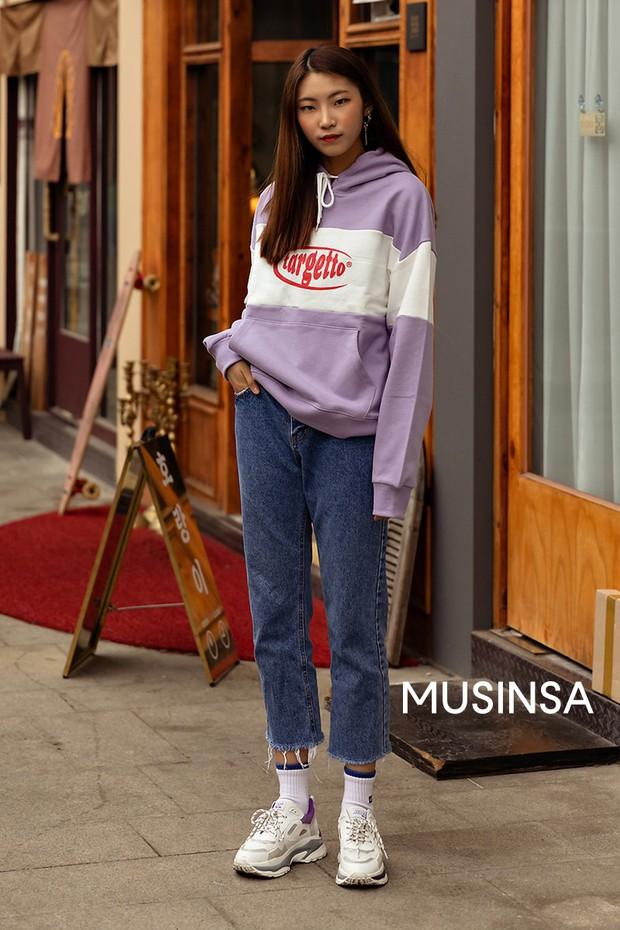 Chỉ cần ngắm street style chất lừ của giới trẻ Hàn tuần qua, công cuộc ăn mặc của bạn chắc chắn sẽ lên hương - Ảnh 6.