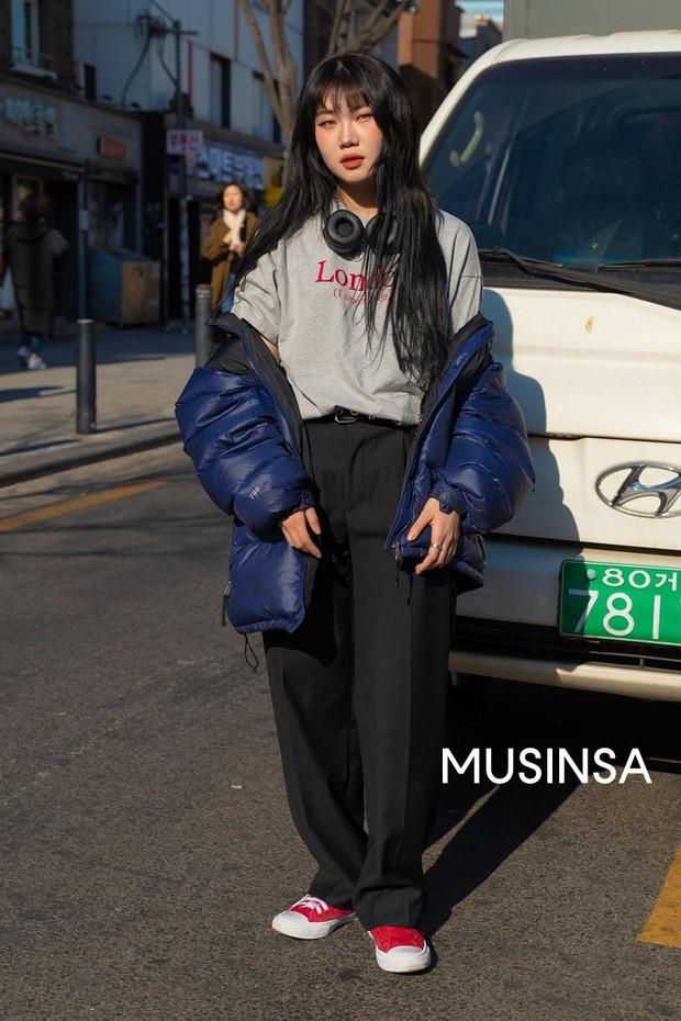 Chỉ cần ngắm street style chất lừ của giới trẻ Hàn tuần qua, công cuộc ăn mặc của bạn chắc chắn sẽ lên hương - Ảnh 8.