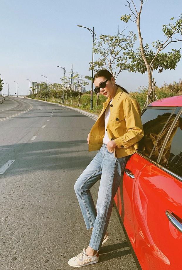 Đụng độ gam màu trắng, 2 hot mom Hà Tăng - Đặng Thu Thảo chiếm sóng trong street style tuần này - Ảnh 12.