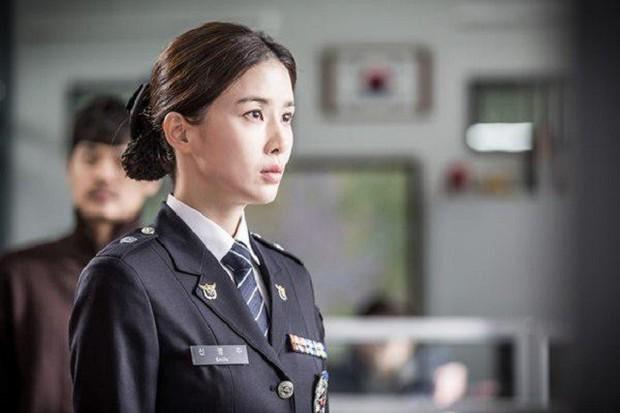 """Bản lĩnh và chính nghĩa, đây chính là 5 """"phóng viên họ Kang"""" đình đám trong phim Hàn - Ảnh 7."""