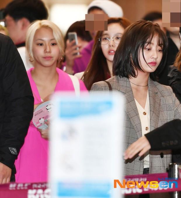 Bị tung ảnh nóng giả vì bê bối chatroom của Seungri, Jihyo (TWICE) uất đến mức bật khóc luôn tại sân bay hôm nay - Ảnh 5.