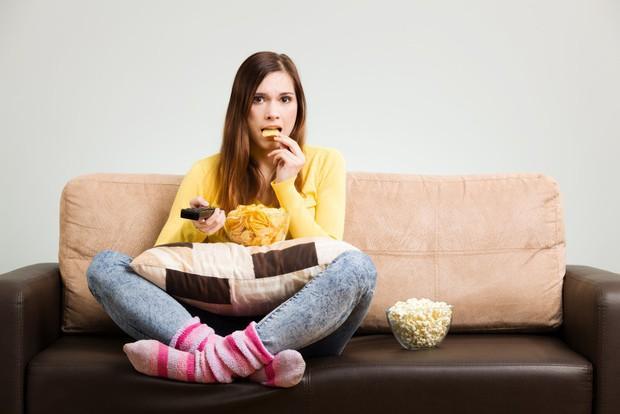Sửa ngay những thói quen xấu gây hại tới sức khỏe tim mạch mà nhiều người ít ngờ tới - Ảnh 2.