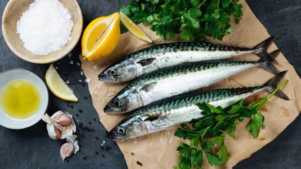Ung thư vú: nghiên cứu cho thấy tăng cường ăn cá biển có thể giúp giảm phát triển khối u đến 50% - Ảnh 2.