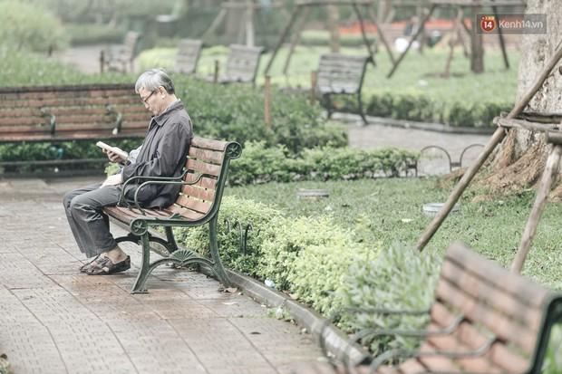 Ảnh: Hà Nội xuất hiện sương mù từ sáng sớm, ví như Sapa thu nhỏ - Ảnh 9.