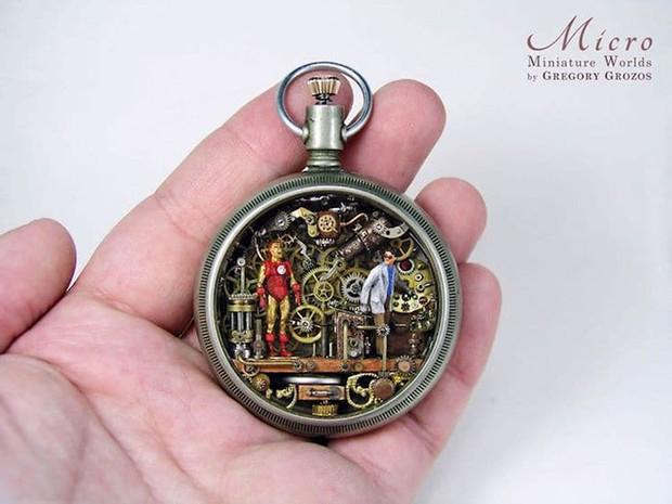 Nghệ sĩ này đem cả thế giới tí hon vào những chiếc đồng hồ cũ hỏng, kết quả ngoài cả sức tưởng tượng! - Ảnh 13.