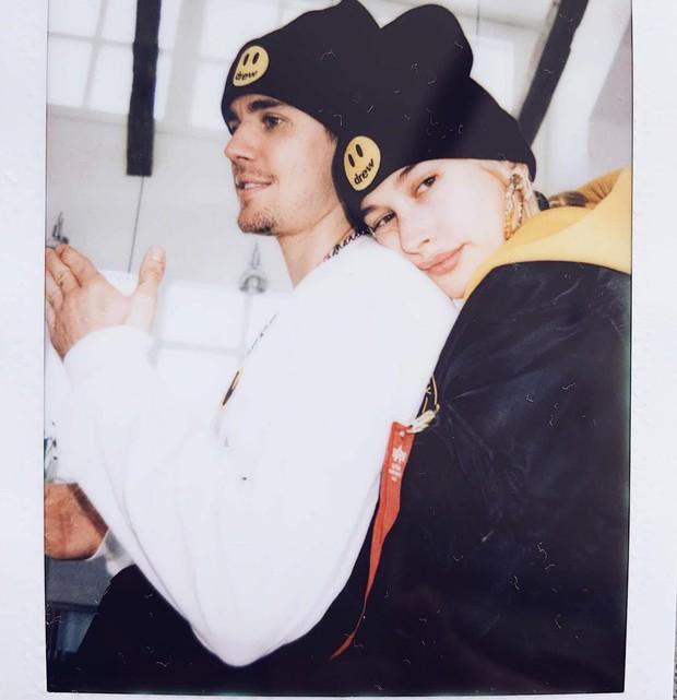 Chỉ cần một động thái của Hailey Baldwin trong ngày sinh nhật Justin Bieber, không ai còn dám nói cặp đôi sắp ly hôn - Ảnh 1.