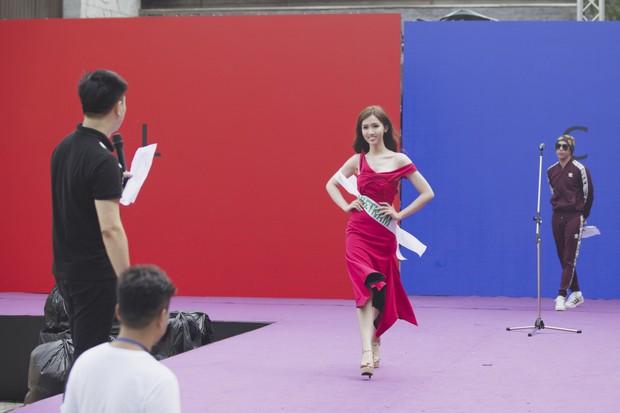 Đột nhập hậu trường Hoa hậu Chuyển giới Quốc tế: Nhật Hà và dàn thí sinh gấp rút tổng duyệt trước đêm thi quan trọng - Ảnh 4.