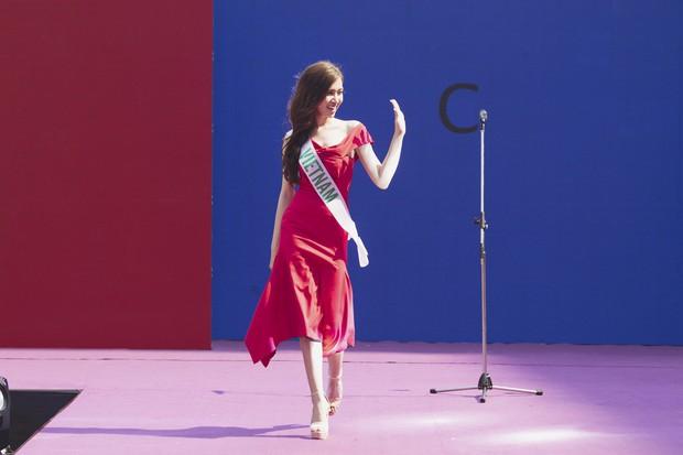 Đột nhập hậu trường Hoa hậu Chuyển giới Quốc tế: Nhật Hà và dàn thí sinh gấp rút tổng duyệt trước đêm thi quan trọng - Ảnh 2.