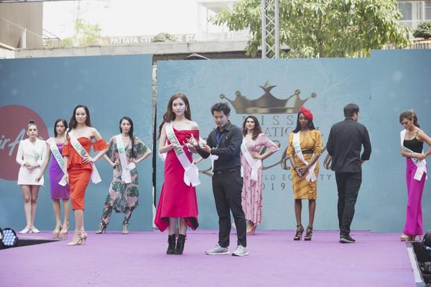 Đột nhập hậu trường Hoa hậu Chuyển giới Quốc tế: Nhật Hà và dàn thí sinh gấp rút tổng duyệt trước đêm thi quan trọng - Ảnh 5.