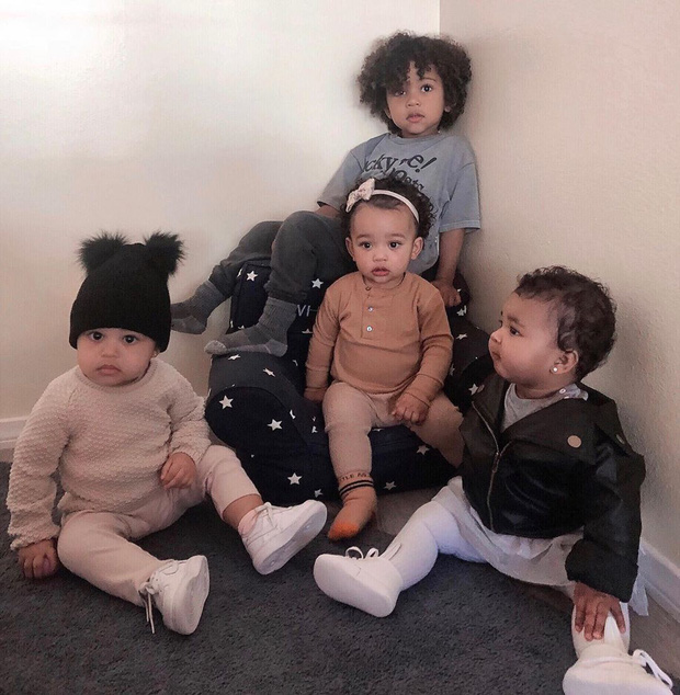 Kim tung bức ảnh đàn con sang chảnh gây bão: Thế hệ mới tiếp nối dàn chị em bá đạo nhà Kardashian, Jenner đây rồi! - Ảnh 1.