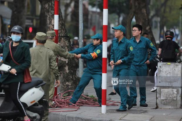 Chủ tịch Triều Tiên Kim Jong-un đến viếng đài tưởng niệm các Anh hùng, Liệt sĩ và lăng Chủ tịch Hồ Chí Minh - Ảnh 1.
