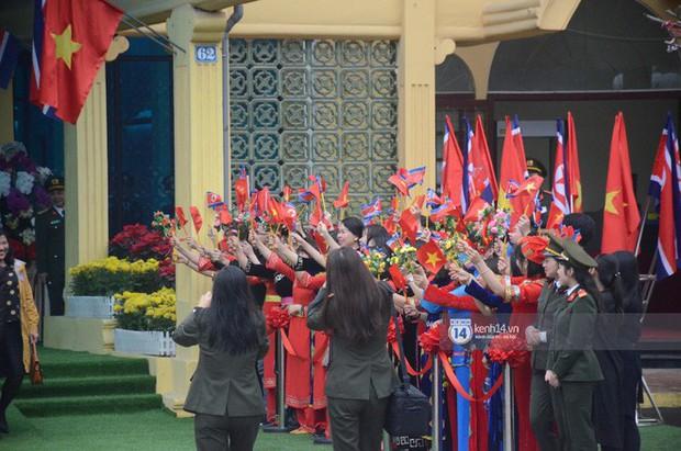 Ông Kim Jong-un vẫy tay tạm biệt và cảm ơn Việt Nam, lên tàu bọc thép trở về Triều Tiên - Ảnh 13.