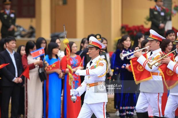 Ông Kim Jong-un vẫy tay tạm biệt và cảm ơn Việt Nam, lên tàu bọc thép trở về Triều Tiên - Ảnh 16.