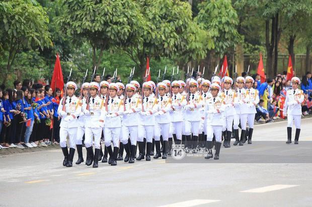 Ông Kim Jong-un vẫy tay tạm biệt và cảm ơn Việt Nam, lên tàu bọc thép trở về Triều Tiên - Ảnh 18.