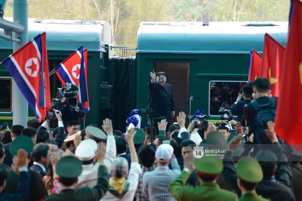 Ông Kim Jong-un vẫy tay tạm biệt và cảm ơn Việt Nam, lên tàu bọc thép trở về Triều Tiên - Ảnh 31.
