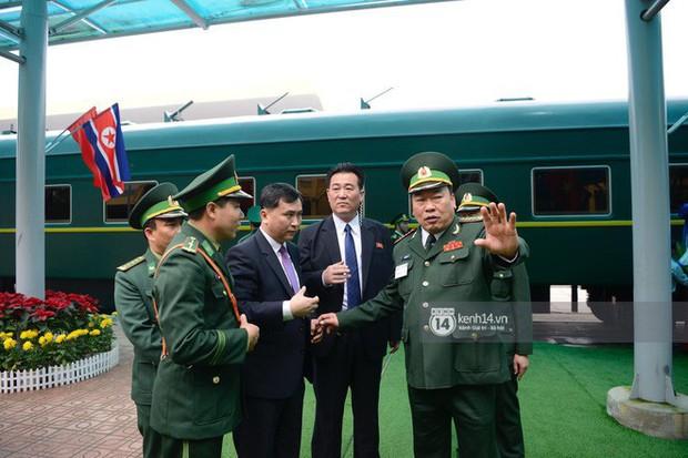 Ông Kim Jong-un vẫy tay tạm biệt và cảm ơn Việt Nam, lên tàu bọc thép trở về Triều Tiên - Ảnh 7.
