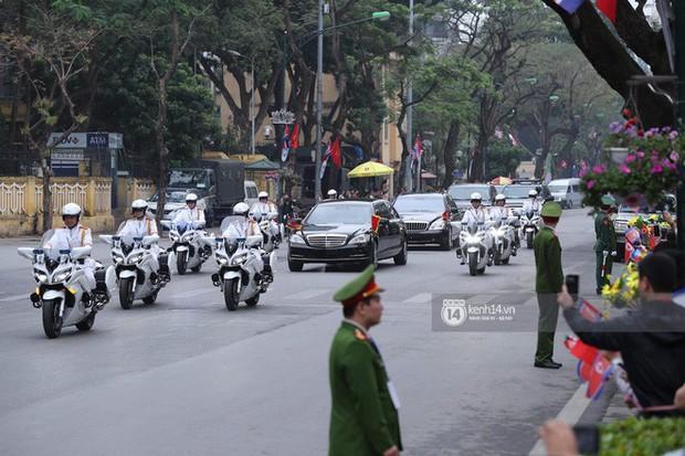 Chủ tịch Triều Tiên Kim Jong-un đến viếng đài tưởng niệm các Anh hùng, Liệt sĩ và lăng Chủ tịch Hồ Chí Minh - Ảnh 9.