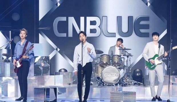 Vì sao Jonghyun bị fan yêu cầu đuổi khỏi CNBLUE nhưng vẫn được FNC một mực giữ lại? - Ảnh 4.