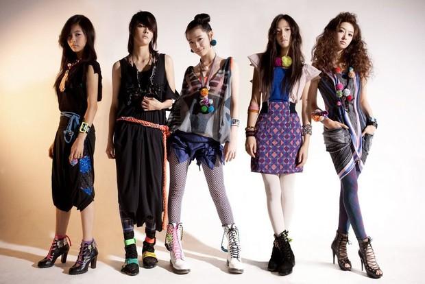 Nhìn lại những concept độc nhất vô nhị dẫn đầu xu hướng này có thể khẳng định: f(x) chính là nhóm nhạc nữ độc đáo nhất Kpop - Ảnh 1.