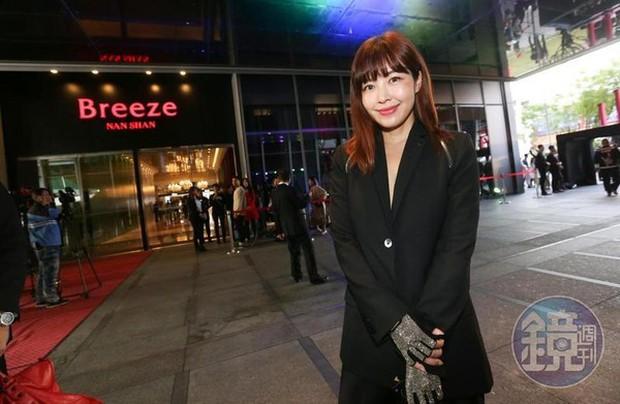 Nữ kim chủ thần bí của Seungri ở Đài Loan: Gia thế khủng, khách VIP tại bữa tiệc hoan lạc, sở hữu BST hàng hiệu - Ảnh 2.