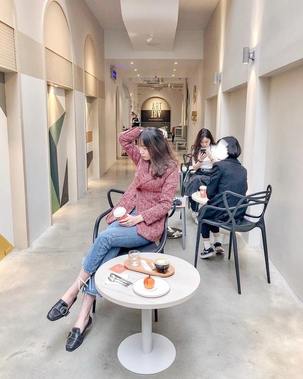2 tiệm bánh ngọt mới toanh ở Hà Nội đang được dân tình thi nhau tới check-in ầm ầm - Ảnh 2.