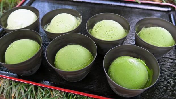 Tiệm kem ở Nhật Bản thách thức thực khách với món matcha 7 cấp độ, cấp độ 4 đã có thể khiến bạn say ngoắc cần câu - Ảnh 3.